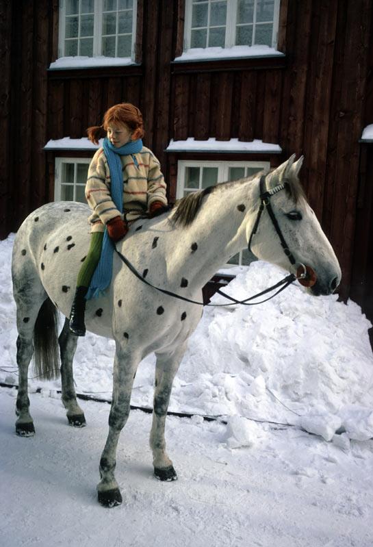 pipi-calzaslargas-y-el-caballo-pequeno-tio