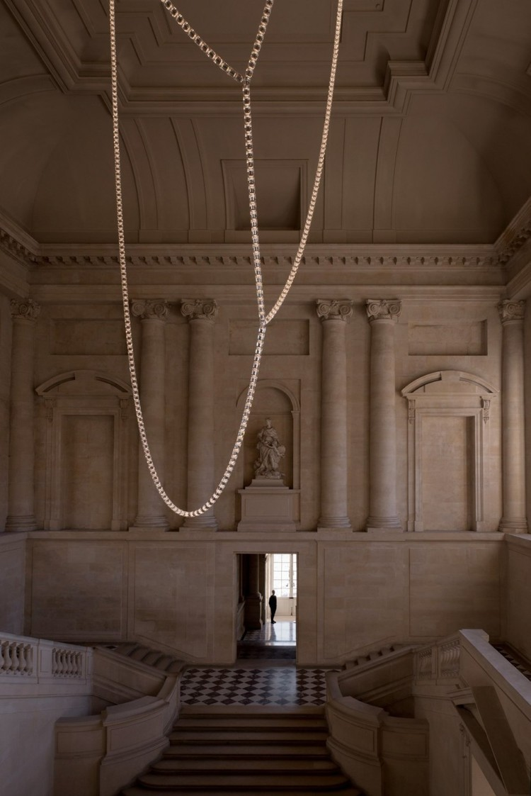 The Architects Choice -Bouroullec-Gabriel-Chandelier-Swarovski-9
