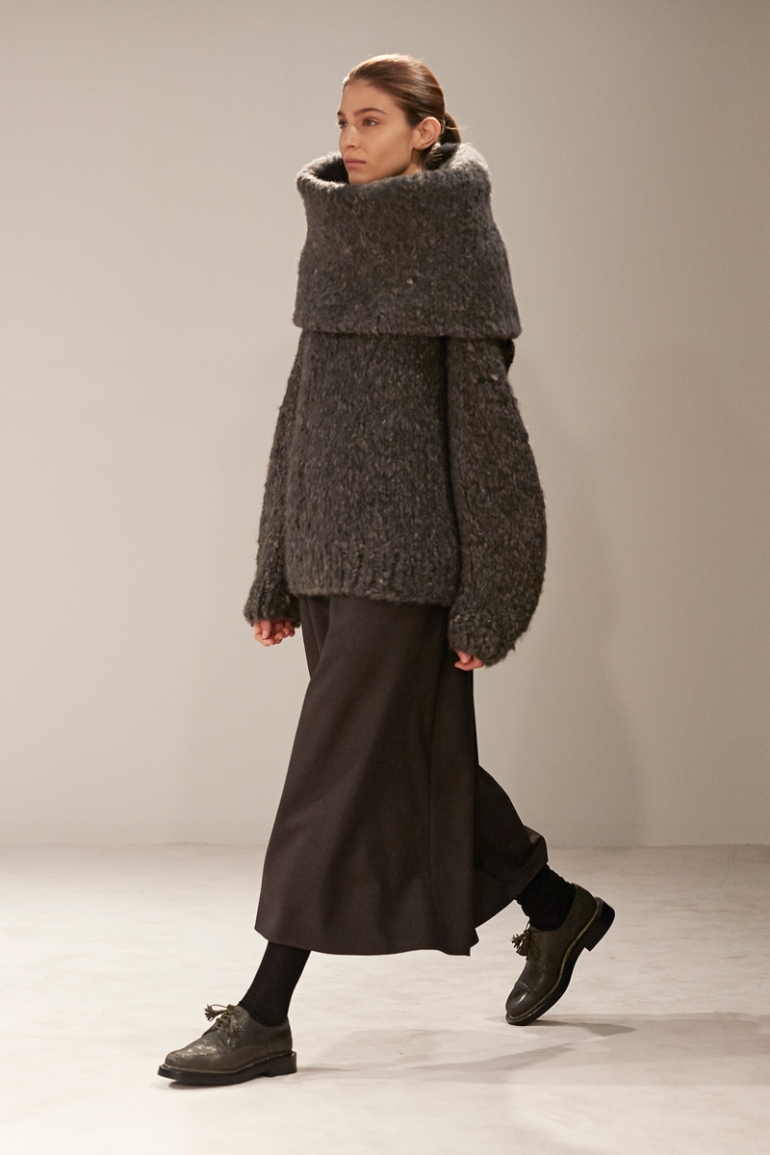the-row-rtw-fw2014-runway-03_18494692979